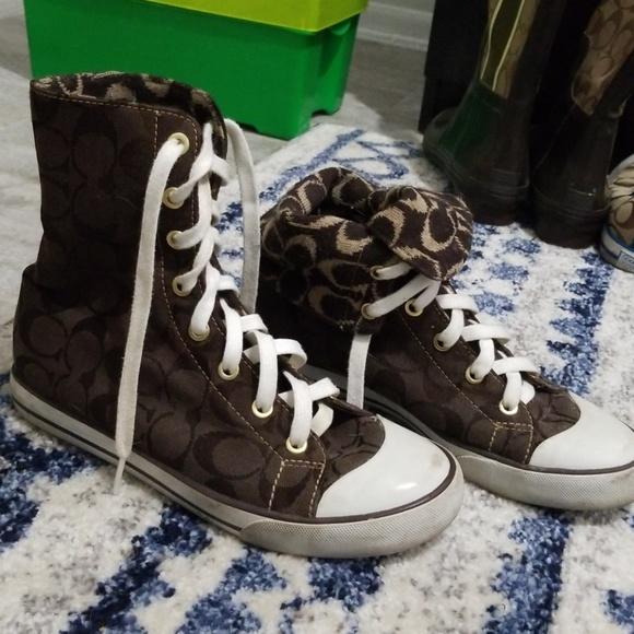 Beautiful pair of vintage AS230 | Shoes | Adidas sneakers